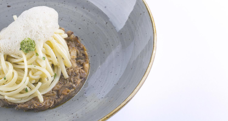 La tradizione negli ingredienti, l'internazionalità nel gusto, la ricerca costante creano quell'alchimia che rende i piatti unici e originali